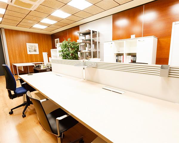 150408090511_O4X9686_espacios_trabajo_mobiliario_01